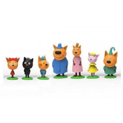 Ігровий набір з семи фігур-Сім'я котів і друзі Три кота